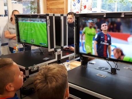 FIFA op de camping.jpg
